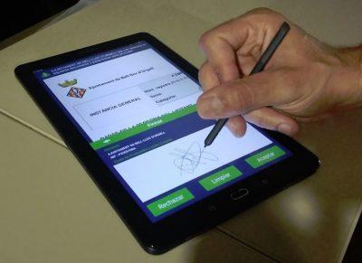 Bell-lloc implanta la signatura biomètrica al servei d'atenció ciutadana
