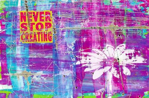 "Un graffitti que posa ""Never Stop Creating"""