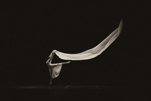 Una ballarina a l'escenari