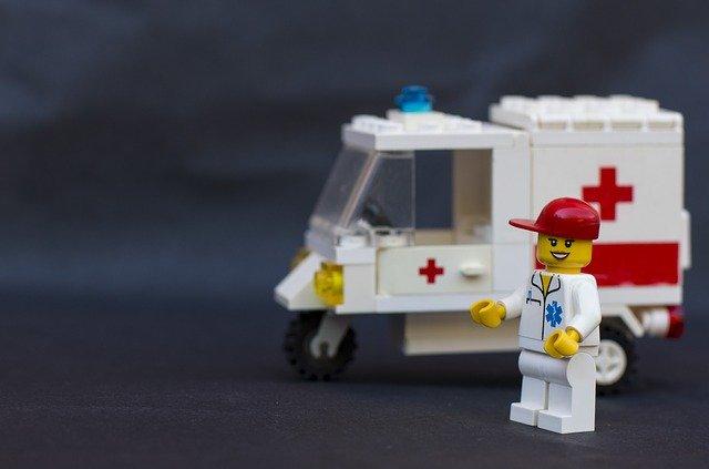 Ambulància amb metge de Lego