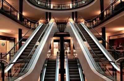 El Departament d'Empresa i Coneixement actualitza el servei EMC – Comunicació d'establiments comercials