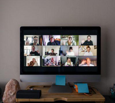 Com organitzar videoconferències segures