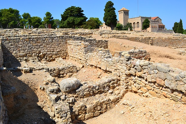 Vista general de les ruïnes d'Empúries