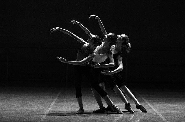 Ballarines sobre l'escenari